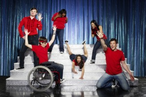 Glee: The new one-hour comedy musical series about a group of aspiring underdogs will premiere this fall on FOX. Pictured clockwise from L: Chris Colfer, Amber Riley, Lea Michele (C), Jenna Ushkowitz, Cory Monteith and Kevin McHale. 2009 Fox Broadcasting Co. CR: Matthias Clamer/FOX