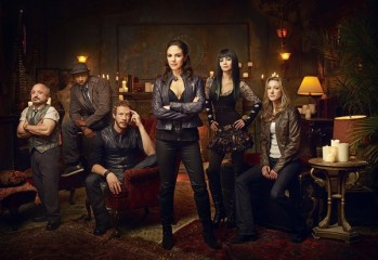 LOST GIRL -- Season:1 -- Pictured: (l-r) Richard Howland as Trick, K.C. Collins as Detective Hale, Kris Holden-Ried as Dyson, Anna Silk as Bo, Ksenia Solo as Kenzi, Zoie Palmer as Lauren -- Photo by: Syfy