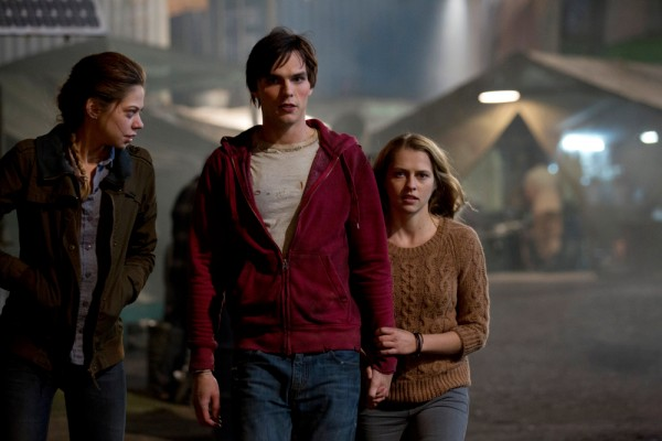 warm bodies 5 600x400 RU? Instant Reaction Review Podcast Ep. 45   Warm Bodies